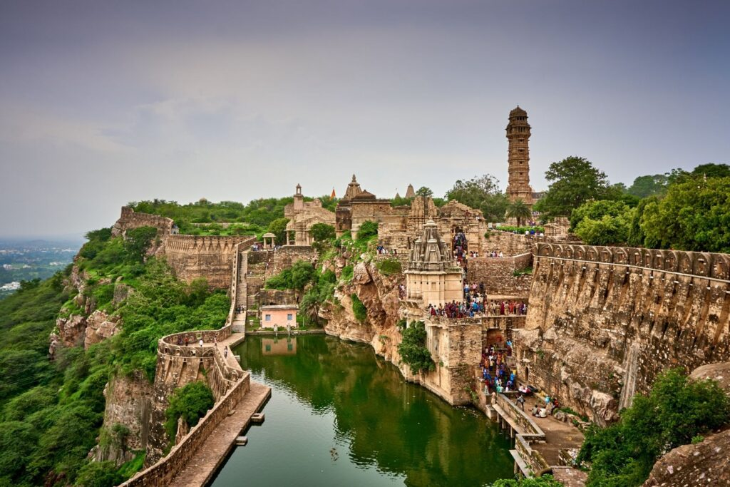 Udaipur to Chittorgarh Taxi Service with Price & Packages