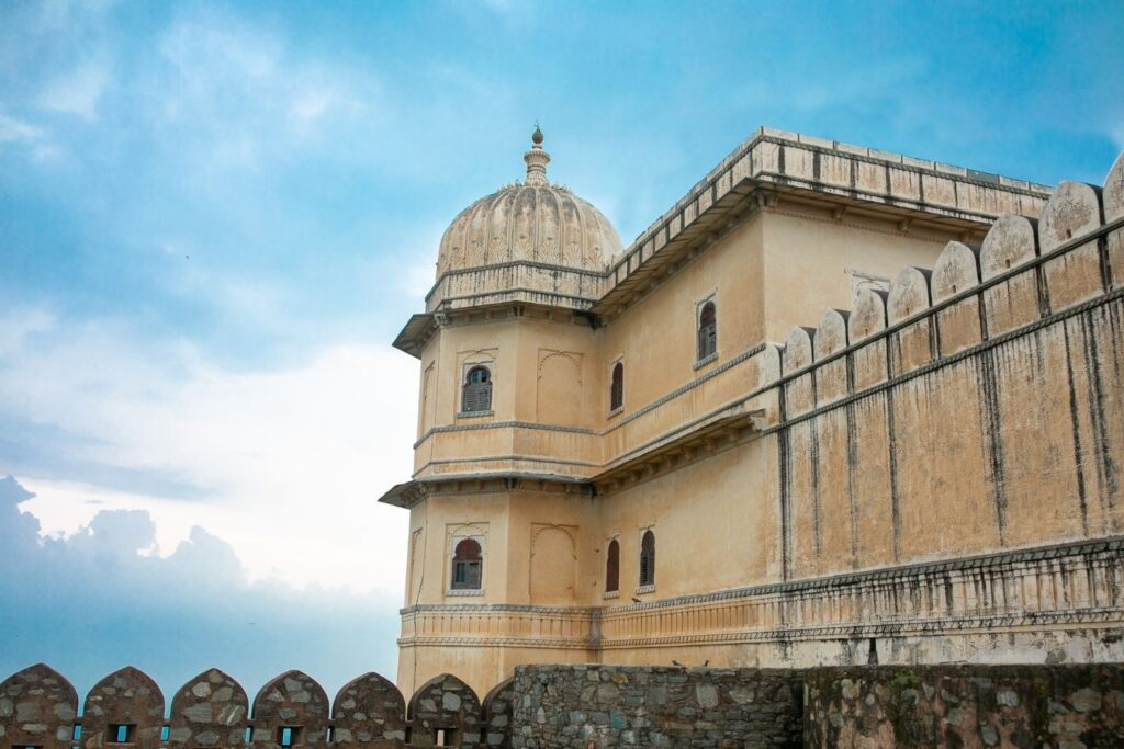Udaipur to Kumbhalgarh Taxi Service with Price & Packages